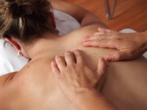 How to find and land a GOOD massage job!